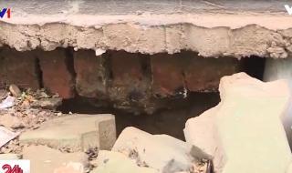 [Video] Người dân lo sợ sống trong khu tái định cư xuống cấp